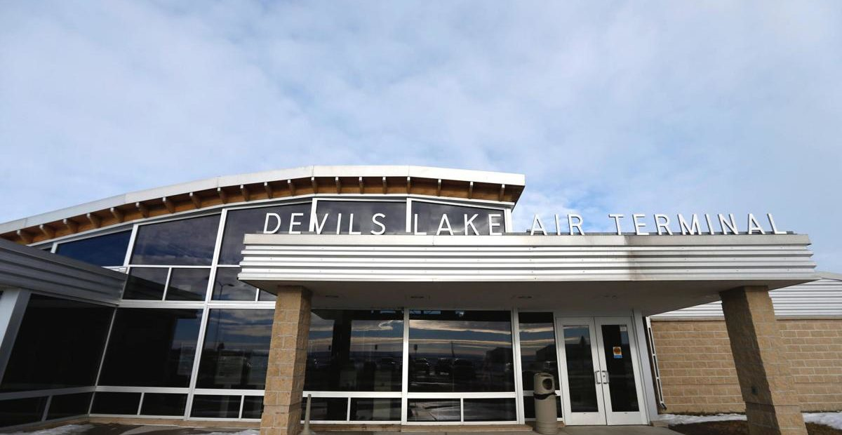 Devils Lake Airport